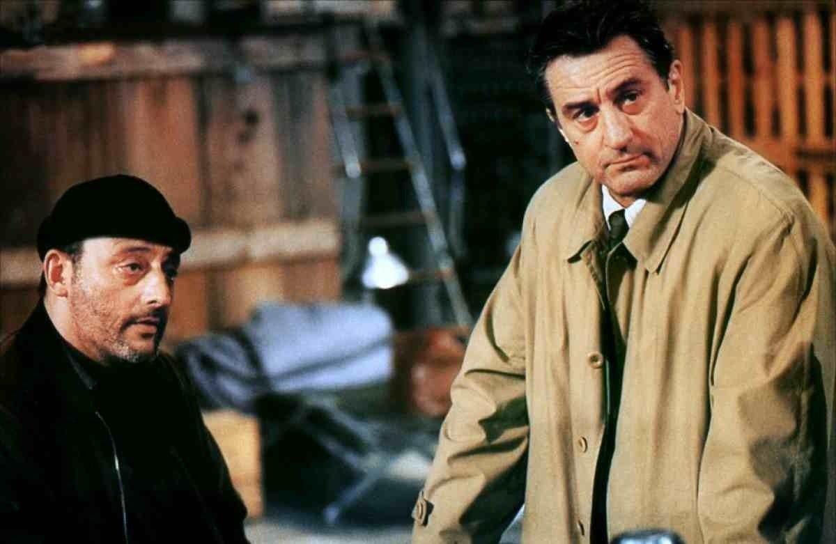 - Daha önce kimseyi öldürdün mü? + Bir defasında birinin kalbini kırmıştım. Ronin (1998)
