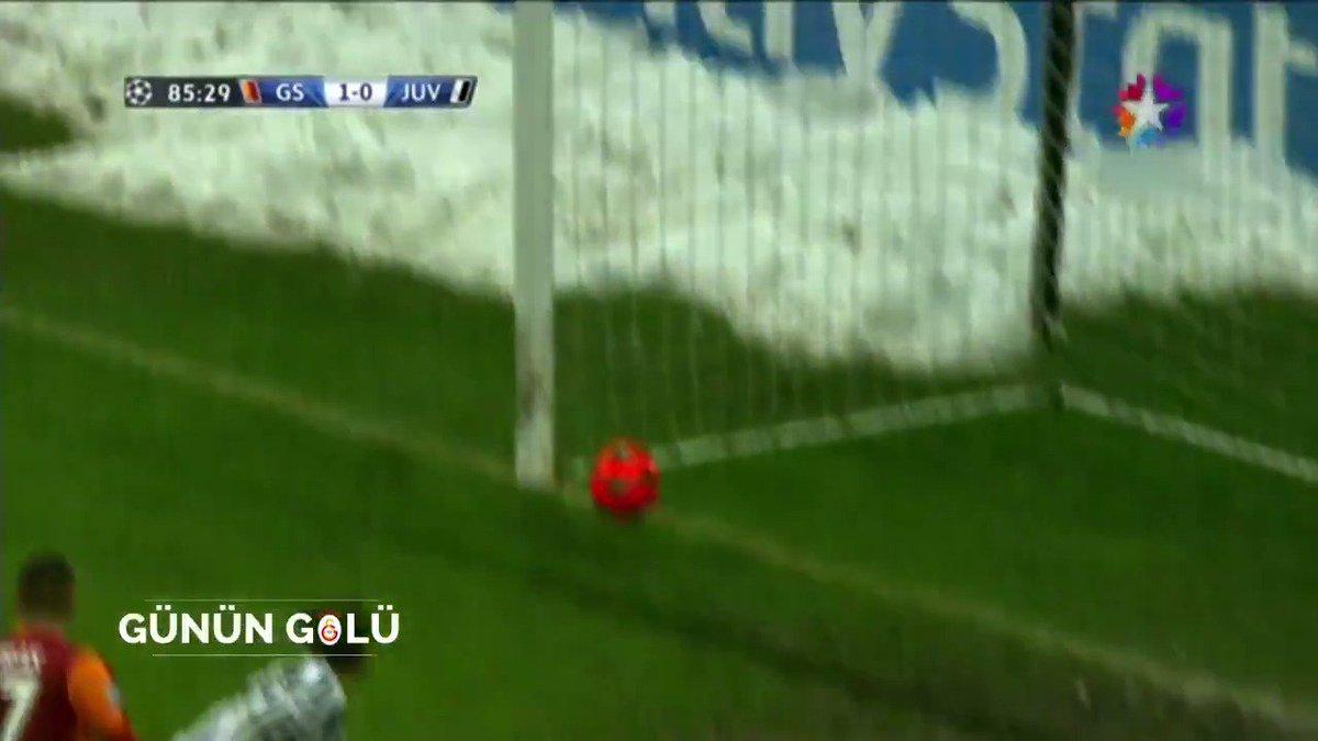 Günün Golü | Galatasaray - Juventus (11.12.13)  @didierdrogba indirdi, Sneijder ceza sahasında, Sneijder GOOOOOOOOOOLLL!!!  85' @sneijder101010 ⚽