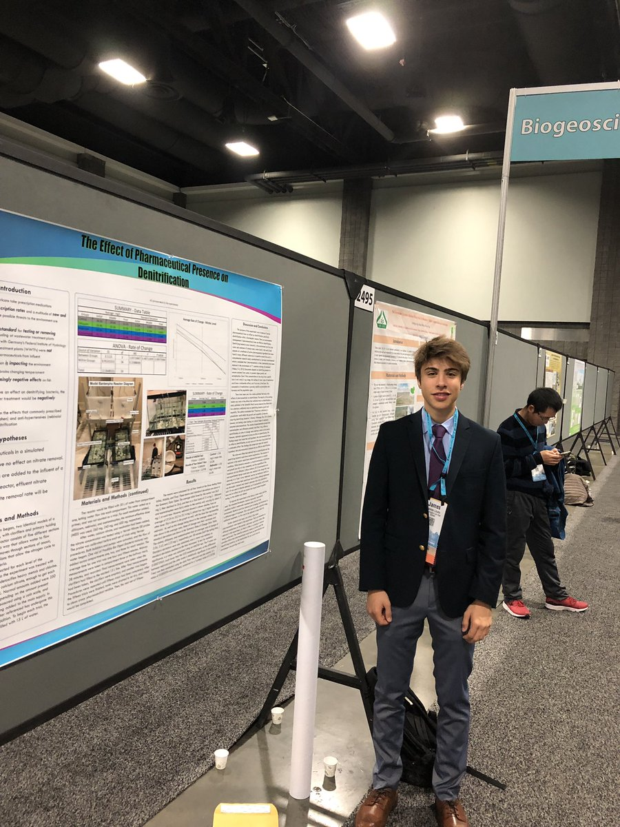 James Licato of <a target='_blank' href='http://twitter.com/GeneralsPride'>@GeneralsPride</a> presenting his work <a target='_blank' href='http://twitter.com/theAGU'>@theAGU</a> conference. Presenting alongside other scientists and among 3800 papers. Impressive! <a target='_blank' href='http://search.twitter.com/search?q=APSisAweseome'><a target='_blank' href='https://twitter.com/hashtag/APSisAweseome?src=hash'>#APSisAweseome</a></a> <a target='_blank' href='https://t.co/AZ3gkbuivL'>https://t.co/AZ3gkbuivL</a>