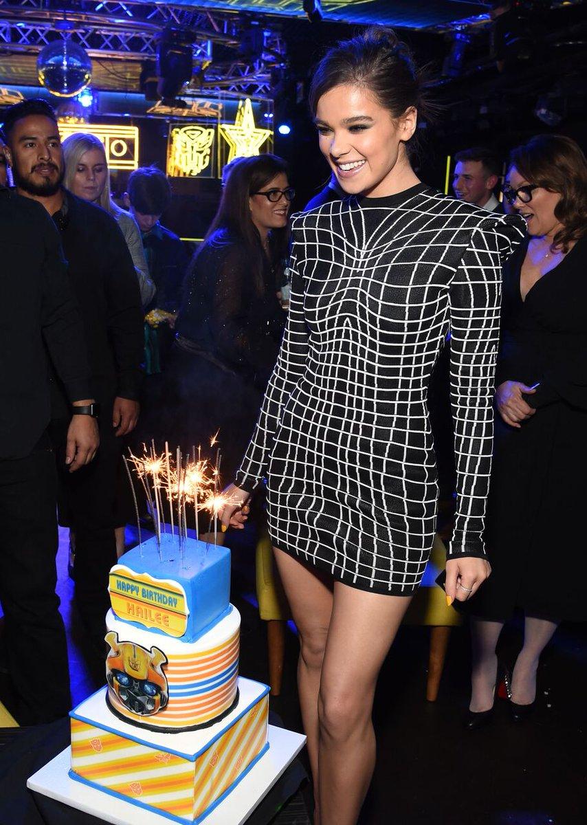 Birthday girl, @HaileeSteinfeld celebrated her special day wearing a #BALMAINSS19 mini dress. #BALMAINARMY