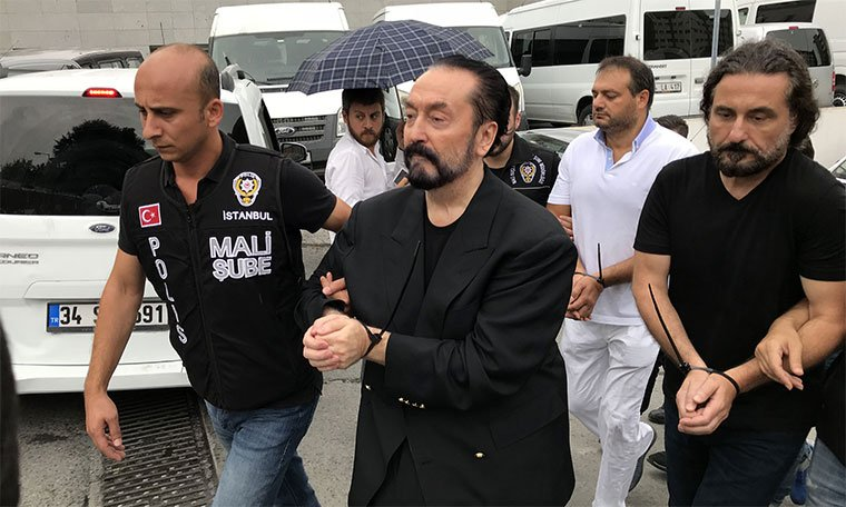 Emniyet'in Adnan Oktar örgütü raporunda çarpıcı detaylar ortaya çıktı cumhuriyet.com.tr/haber/turkiye/…