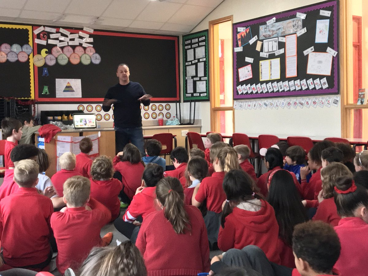 Year 6 children are extremely to have the opportunity to have met @lloyd_elis today. He is a brilliant director who has recently worked as a production manager on the film #6minutestomidnight about World War 2 🎥 an amazing opportunity to talk and learn about his work 🎞