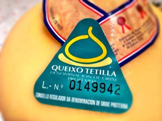 Un sello es garantía de calidad, origen, tradición y profesionalidad. Es la seguridad de saber la historia de lo que llevas a la mesa. #queso #PazodeAnzuxao #Tetilla #ArzúaUlloa 🧀🧀