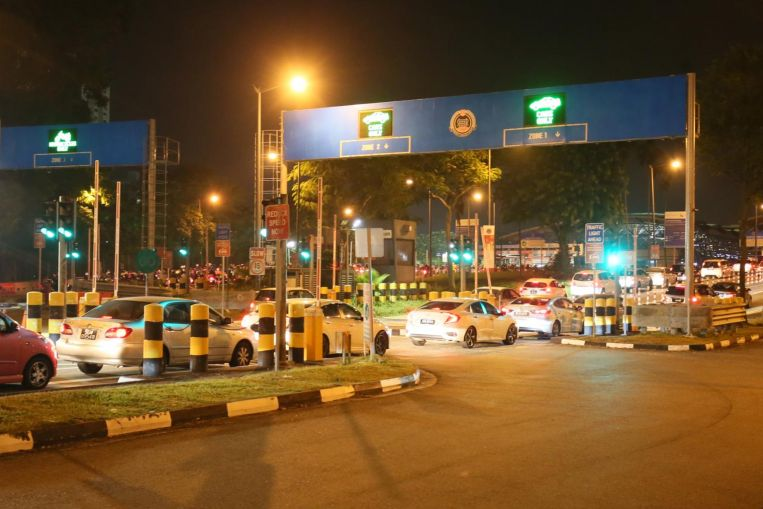 Avoid Woodlands Checkpoint early Thursday morning: ICA https://t.co/TAhzjLQaNz