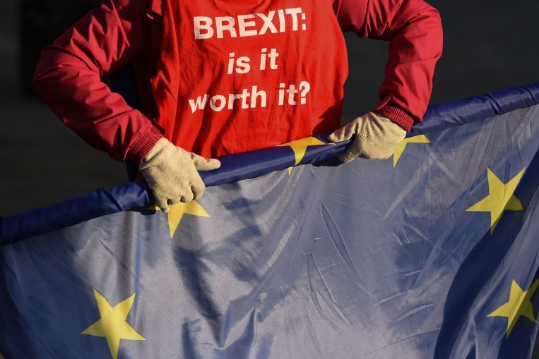 New #Brexit vote will be before Jan 21, says British PM May's spokesman https://t.co/mV6U5sFzLN