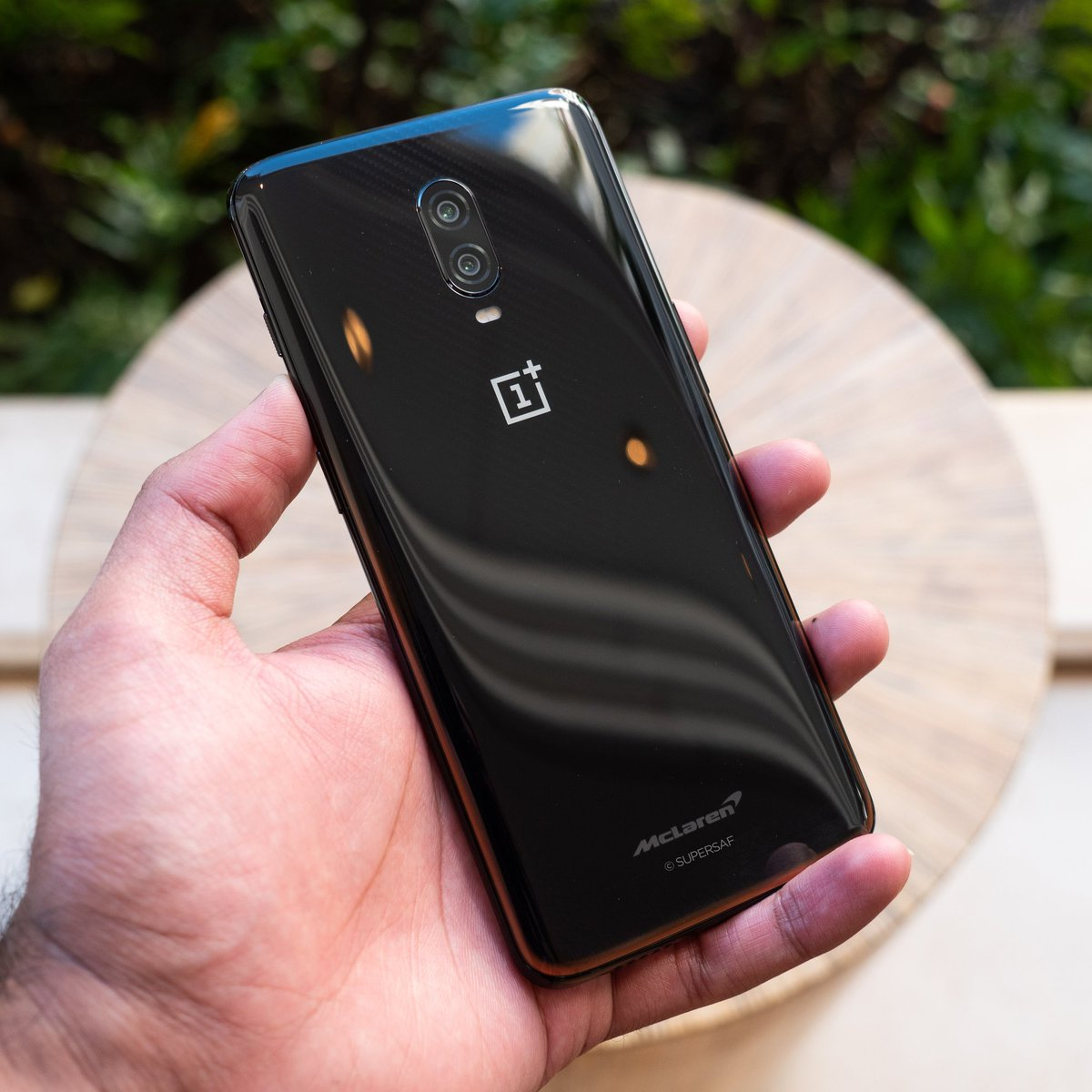 "#OnePlus6T McLaren Edition  McLaren Inspired Design  6.41"" FHD+ AMOLED In-Display Fingerprint @Qualcomm Snapdragon 845 10GB RAM/256GB 16+20MP f1.7 Rear 16MP f2.0 Front Warp Charge 30 (50% in 20 minutes) £649 from Dec 13  Unboxing ►►► https://youtu.be/J9i89ZsOhAM  #SalutetoSpeed"
