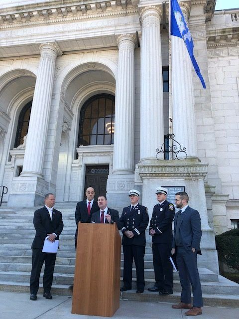 """Judge rules New Haven Firefighters Local 825 can disaffiliate with state fire fighters union; notes """"suspicious mistake"""" in union PAC funding, """"plainly improper loan."""" Local will move forward with reimbursement claim for dues money. #CT  https://buff.ly/2BfikxE"""