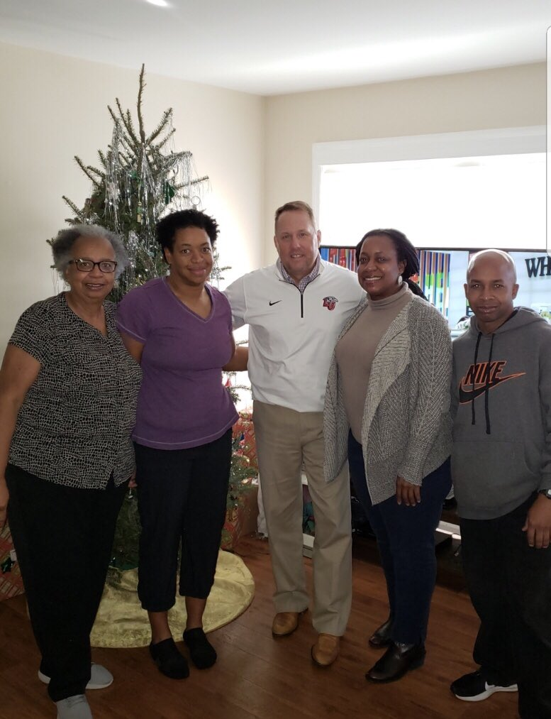 Thank you @CoachHughFreeze for coming by the house today! I heard it was a great! Can anyone photoshop me in there?  #FlamesFamily <br>http://pic.twitter.com/AYsVGmpOcp
