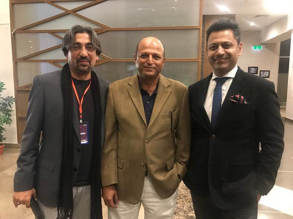 With @AzharAbbas3 & @Fahdhusain after a panel discussion on media crisis at #ThinkFestIBA last weekend