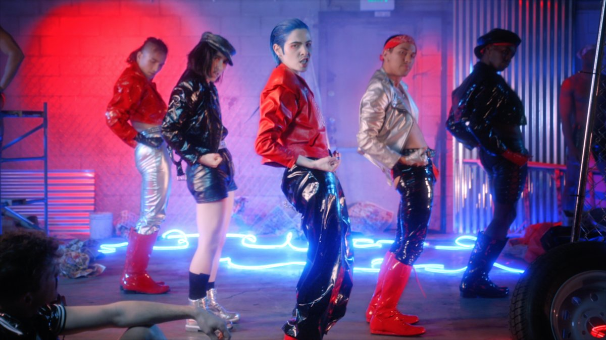 'Are you man enough to soften up?' @DORIANELECTRA challenges toxic masculinity in their stylish new video for 'Man To Man' https://t.co/XuhDNEnwxT