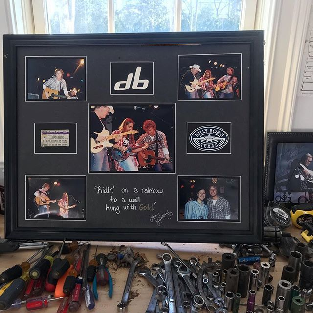 my efforts to clean my garage always get derailed by awesome things in here that fans have given to me over the years. Thank you Lindsay for this picture frame of the night we played @billybobstexas with @crosscanadianragweed @departed_music back in 2003… ift.tt/2QtwHcn