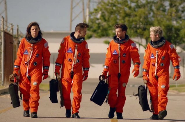 one direction on their way to save tony stark ugh i love my idols. stan one direction.