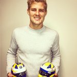 Christmas times 🎅🏻🎅🏻!! And I've got the perfect gift ready. Signed mini ME9 replica helmets from 2017 (750SEK + shipping fee) and 2018 season (1500SEK + shipping fee). They're in 1:2 scale #ME9