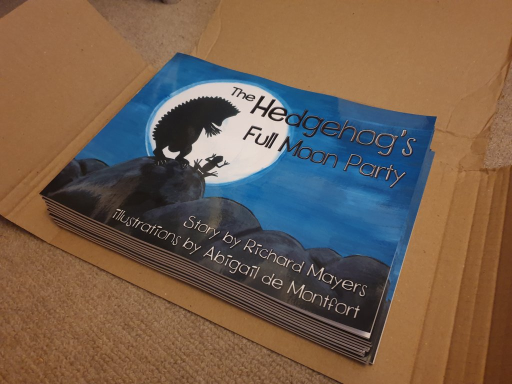 Another batch of lovely Full Moon Party #picturebooks hot off the press. The perfect book gift for #hedgehog lovers, young or old. Now back in stock on Amazon and on Kindle <br>http://pic.twitter.com/Snf1bIFV7N