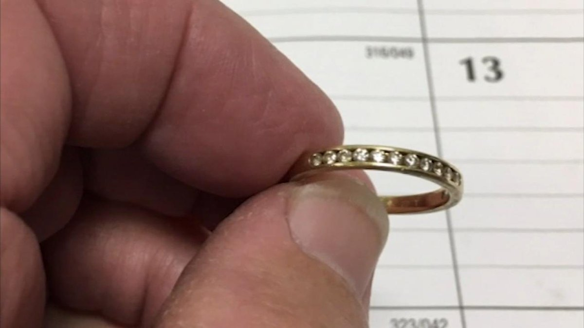 A New Jersey woman was cleaning her bathroom nine years ago when her 20th-anniversary diamond ring fell into the toilet and down the drain. She thought it was gone forever, until she received a note a few weeks ago.  https://t.co/r22axLFfiT