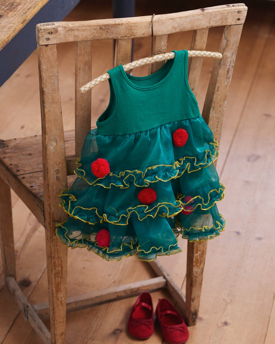 Does your little one want to dress up as a Xmas-tr...