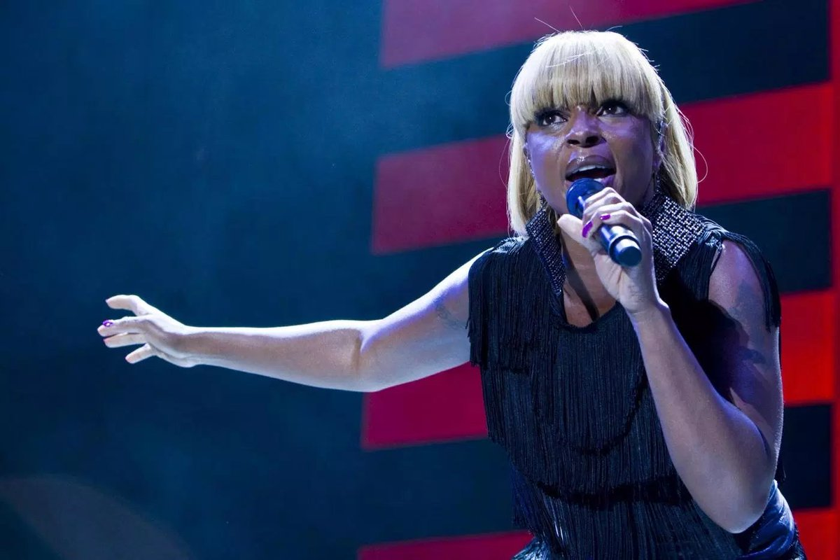 New Show Alert! Mary J. Blige Plays A Ruthless, Creepy, Sociopathic, Time-Traveling Assassin In New Netflix Series 'The Umbrella Academy' [Video]  (Image via Skip Bolen / Getty)   https://t.co/dUxAwSiw1X