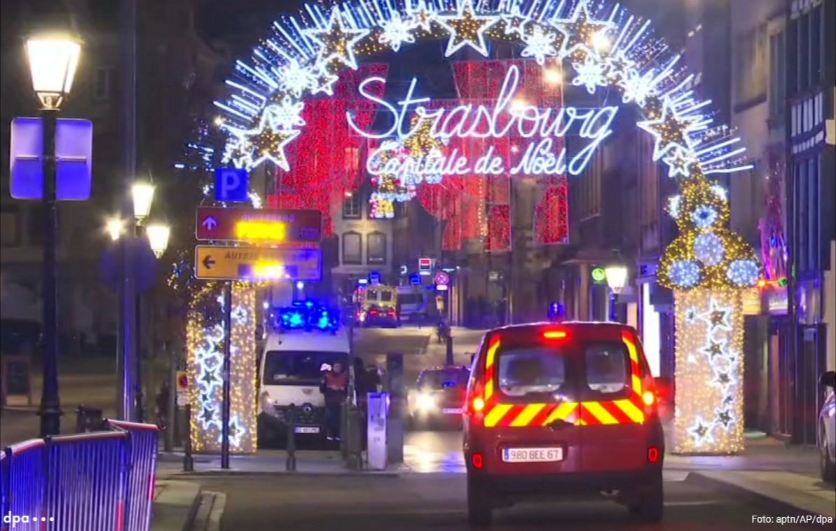 Tote und Verletzte nach Angriff am Weihnachtsmarkt - Polizei sucht nach Täter: Eindrücke aus Straßburg (dmo)