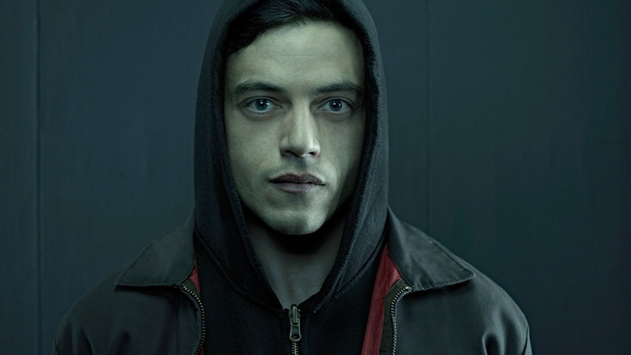 Rami Malek is reportedly being eyed for the villain in Bond 25.   https://t.co/ENZVnH5Pqd https://t.co/oTX42LyVRg