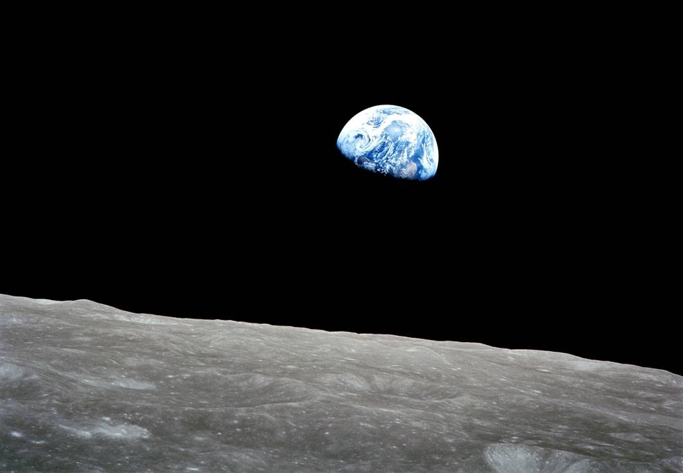 TODAY at 8pm ET, we'll be LIVE from the Washington National Cathedral for a celebration of the 50th Anniversary of the Apollo 8 Mission to the Moon, the first to bring humans to another world as they orbited the Moon on Christmas Eve 1968. Watch:  https:// go.nasa.gov/2rw6BX1  &nbsp;   #Apollo50 <br>http://pic.twitter.com/OEmjSpGrKE