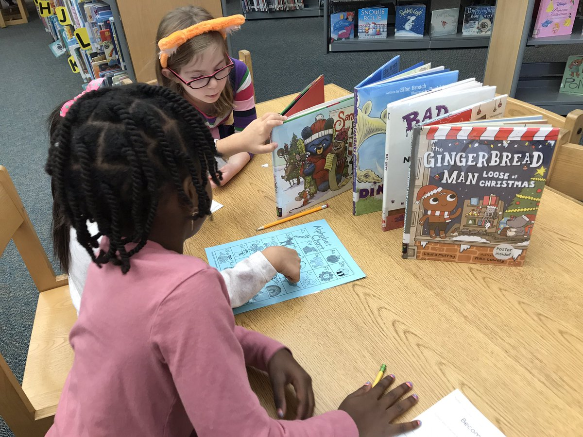 Creating class to library connections!  1st graders continue to practice their ABC order and learn about call numbers in the library. Students were challenged to see how many sets of 5 they could reorder as a group. <a target='_blank' href='http://twitter.com/APSLibrarians'>@APSLibrarians</a> <a target='_blank' href='https://t.co/JwjqKSrnml'>https://t.co/JwjqKSrnml</a>