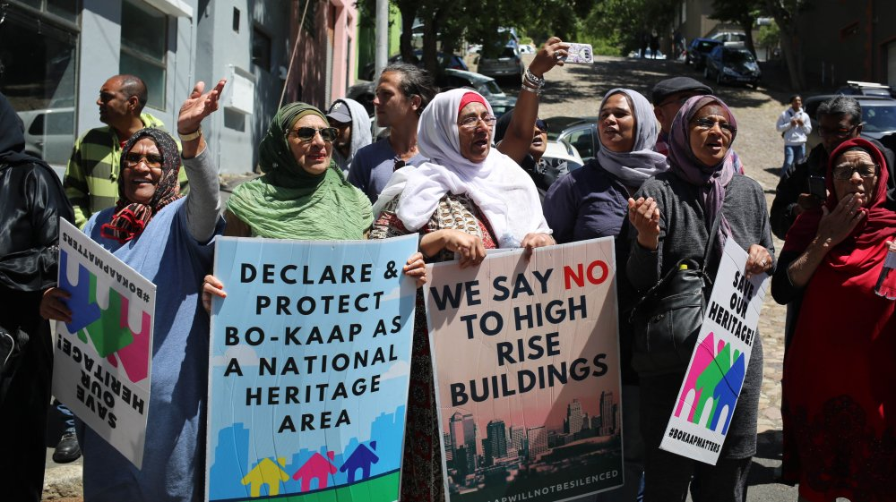 'The issue of economic apartheid is actually being perpetrated right now.'  Can Bo Kaap - South Africa's 'cradle of Islam'-  survive gentrification? https://t.co/5tvPPUDGIq