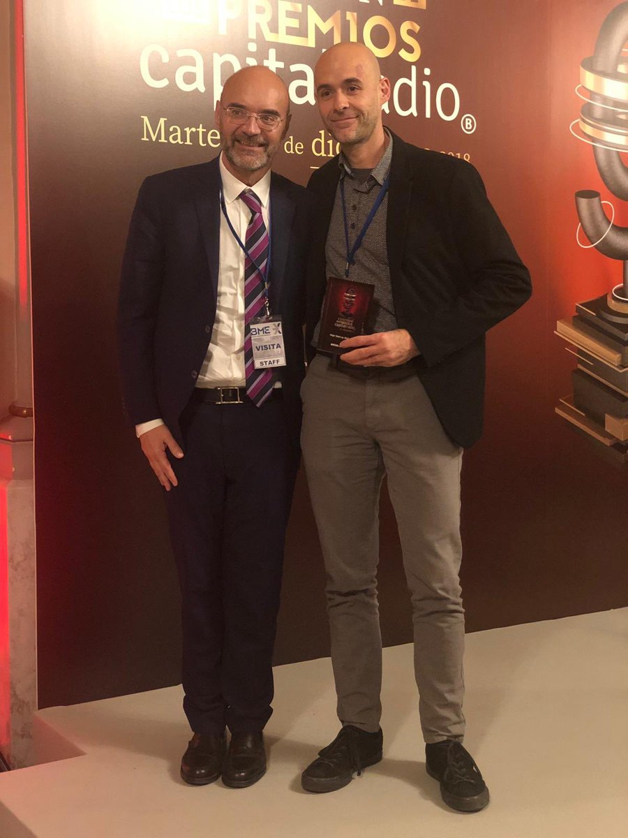🔊 #DIRECTO | Mejor Start-Up 2018 ha sido elegida SOCIAL COIN.   Recoge el premio Iván Caballero, CEO de Social Coin @Thesocialcoin  #PremiosCapitalRadio https://t.co/6RscpaHDWK