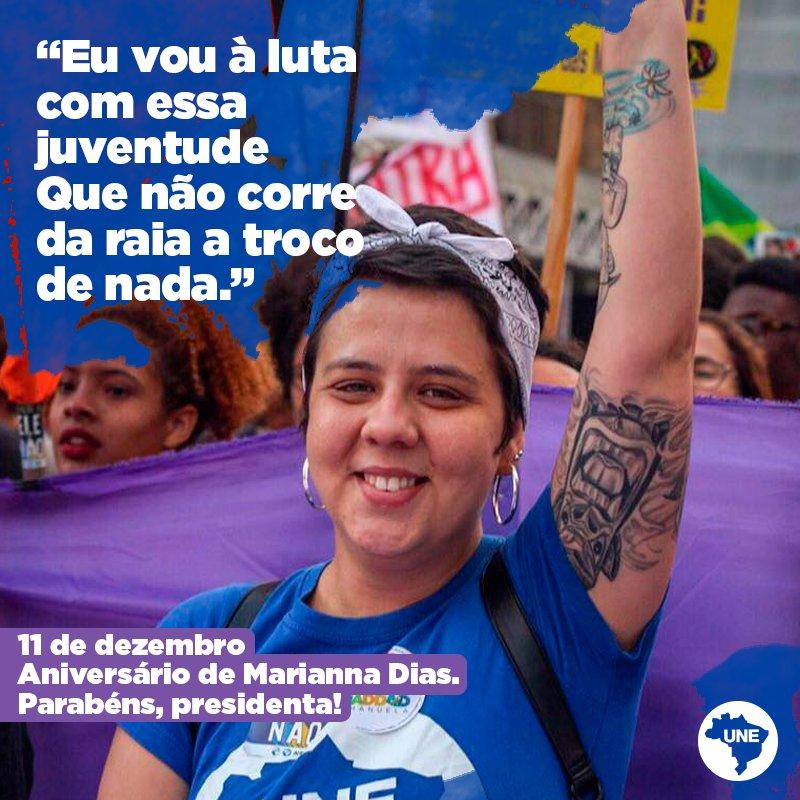 Hoje, nossa presidenta está fazendo aniversário e é uma honra para todos nós que fazemos a UNE, compartilharmos nossa luta com um espírito tão vivo como de Marianna Dias. 27 anos de sonhos e lutas, como é bom lutar ao seu lado, Mari. 💙