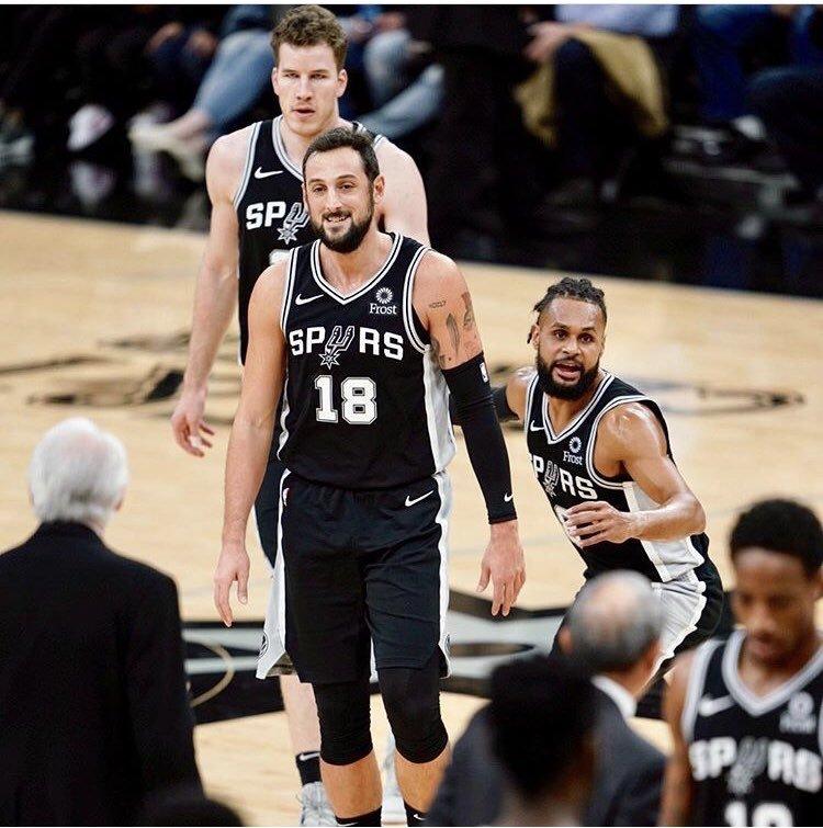 Key #NBA Betting Trends 📊  #GoSpursGo 🆚 #TimeToRise  SA has gone 18-7 ATS L25 games at home 🔥  PHO has gone 0-5 ATS L5 games in San Antonio ❄️