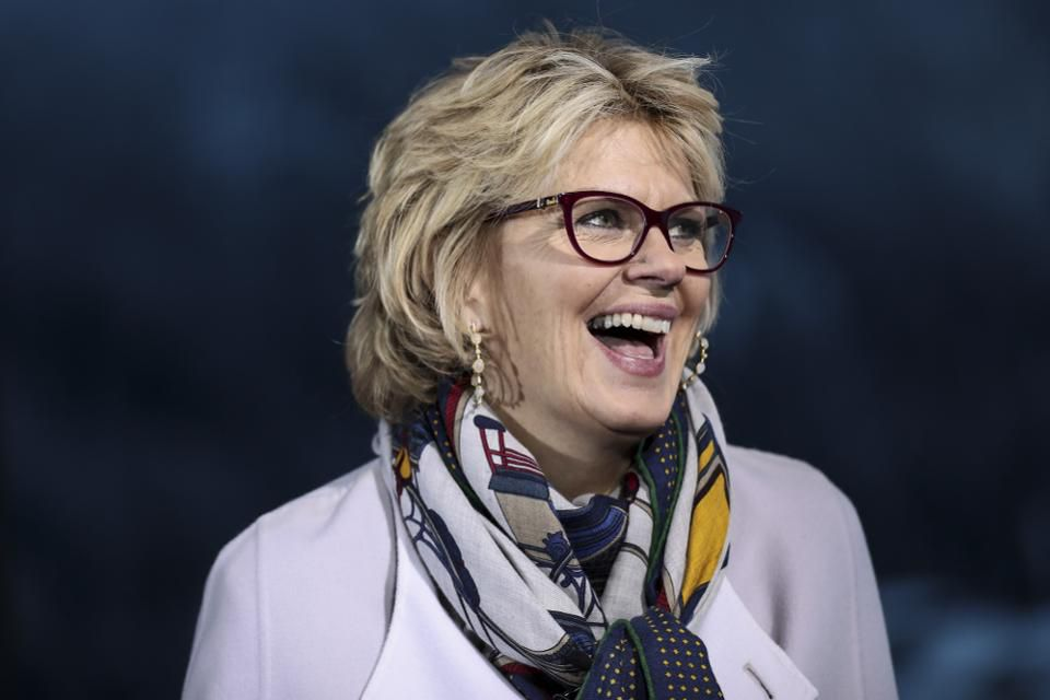 Bank of America's Anne Finucane ranks No. 42 on Forbes' 2018 Most Powerful Women list, and is the 8th most powerful woman in finance. These 9 women join her on the #PowerWomen list: http://on.forbes.com/6010EGHM4