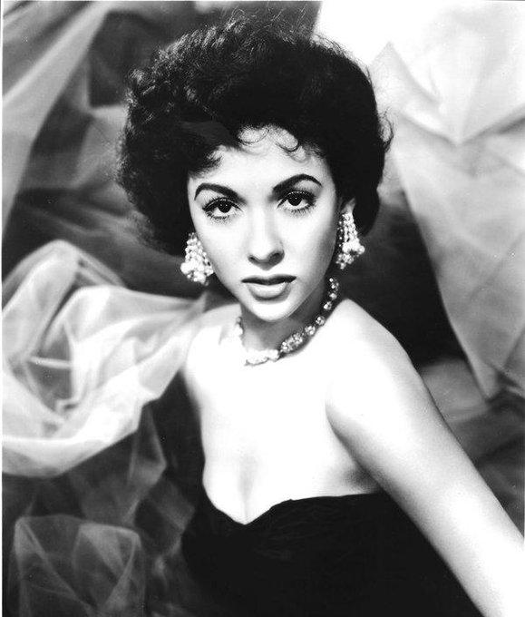 Happy birthday Rita Moreno!!