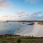 Kick start 2019 by booking a spring break to the Isles of Scilly, travel by plane, helicopter or ship. https://t.co/VRQa1HgCJn #travelScilly #3waystotravel