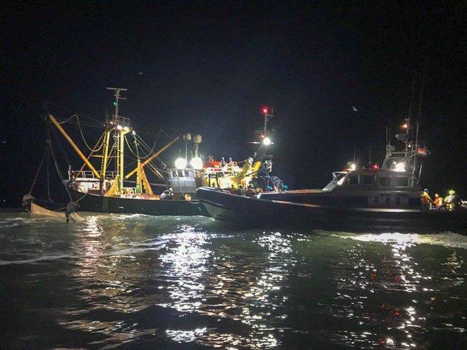 Licht gewonde bij scheepsbrand Noordzee https://t.co/HQW6T39MH3 https://t.co/uVygAALY1s