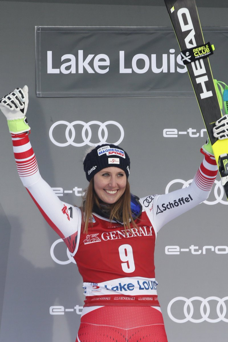 Conny Hütter out for five weeks after an cartilage rupture in her knee suffered in the Lake Louise Super G