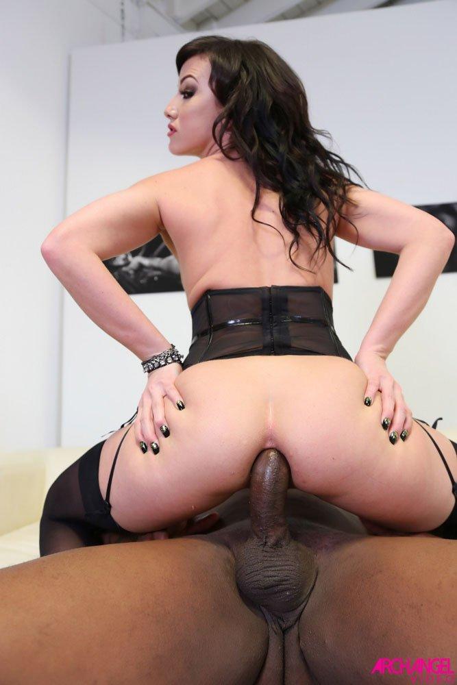 Cock hungy jennifer white enjoys anal sex