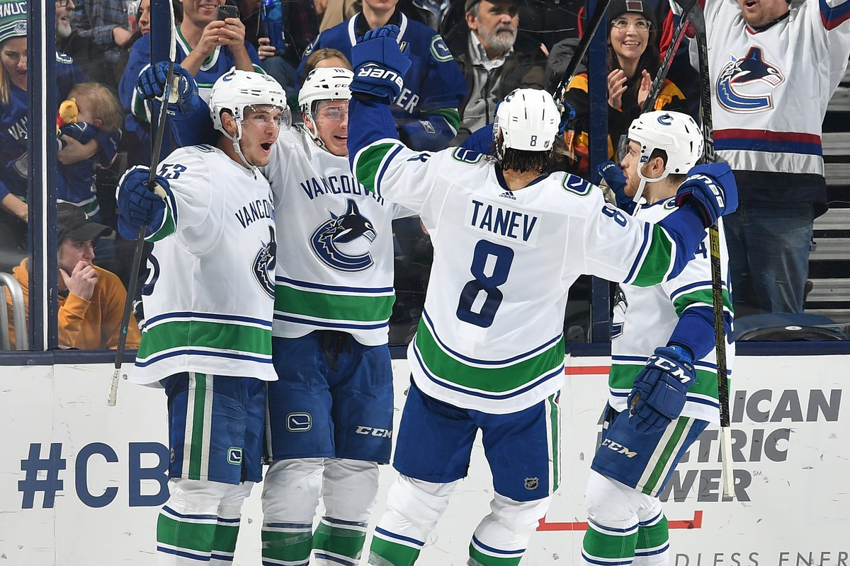 The @Canucks won in regulation after trailing in the last 4:00 of the 3rd for the 8th time in franchise history. The last such instance was Oct. 8, 2000 at TBL when they trailed 4-2 before scoring 3 goals in the final 2:55 to win, including the GWG by Denis Pederson. #NHLStats