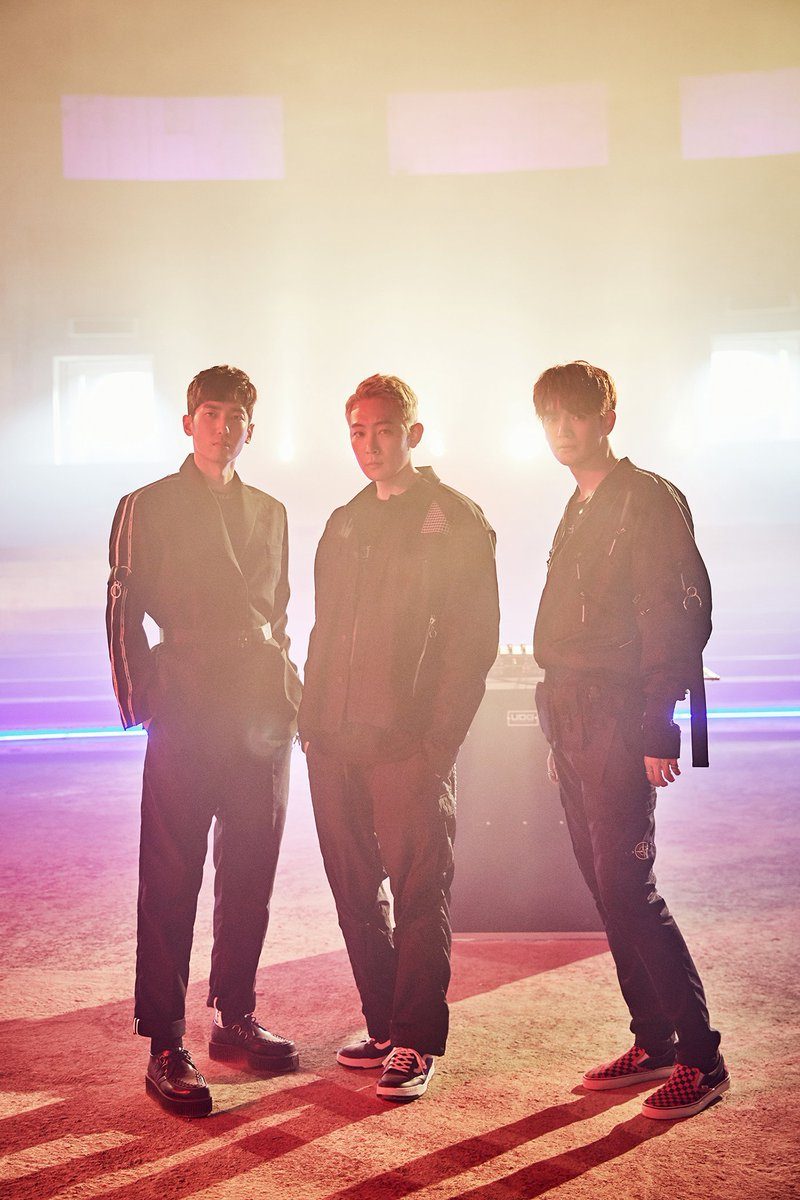 EDM trio TraxX's new single 'ESCAPE' and its music video are coming out today at 6PM KST! Be ready to get blown away by JAY, JUNGMO and GINJO's energetic music!   🎧 'ESCAPE' : 2018.12.12. 6PM (KST)  #TraxX #트랙스 #GINJO #긴조 #JUNGMO #정모 #JAY #제이 #ESCAPE