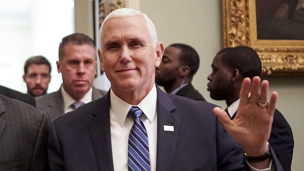 Pence casts tie-breaking vote to confirm controversial Trump judicial nominee hill.cm/UlasEfh