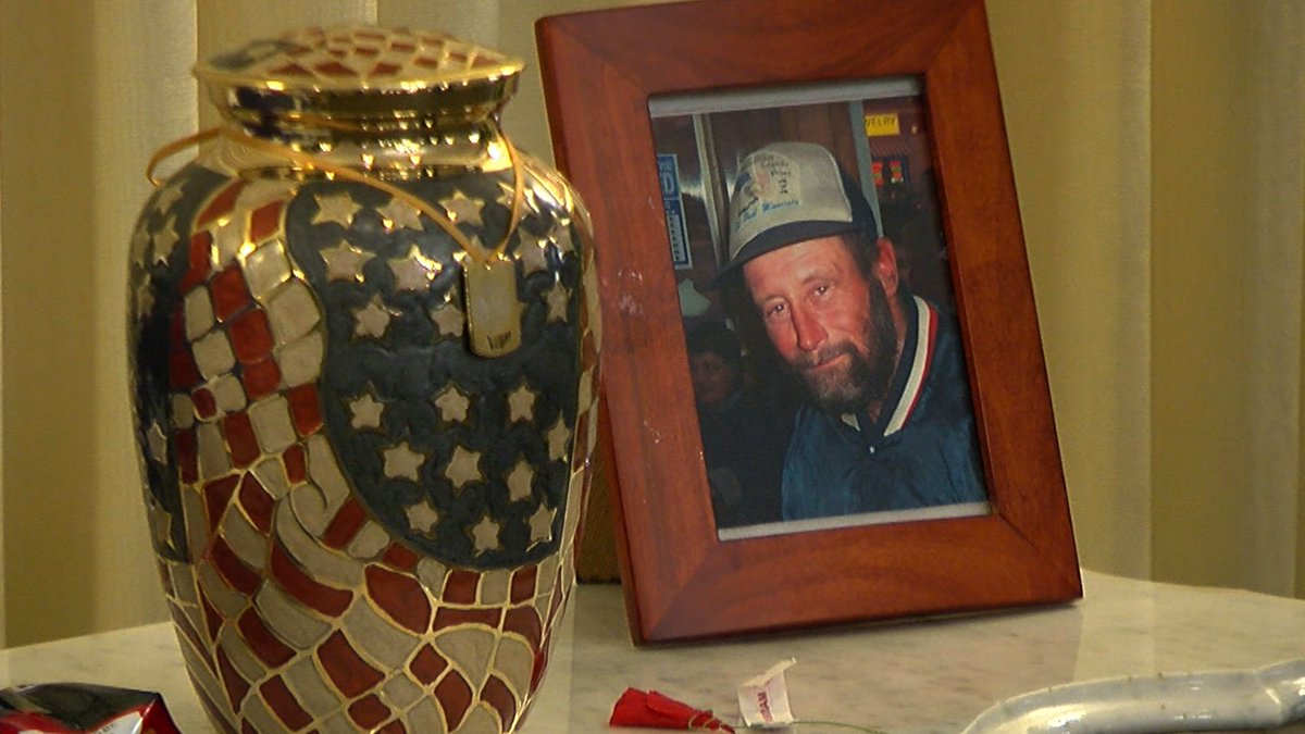 Vietnam veteran Mike 'Bones' Hartzell chose to live on the streets of St.Paul. His impact was large -- and so was his funeral. | https://t.co/0lEF06uGbS