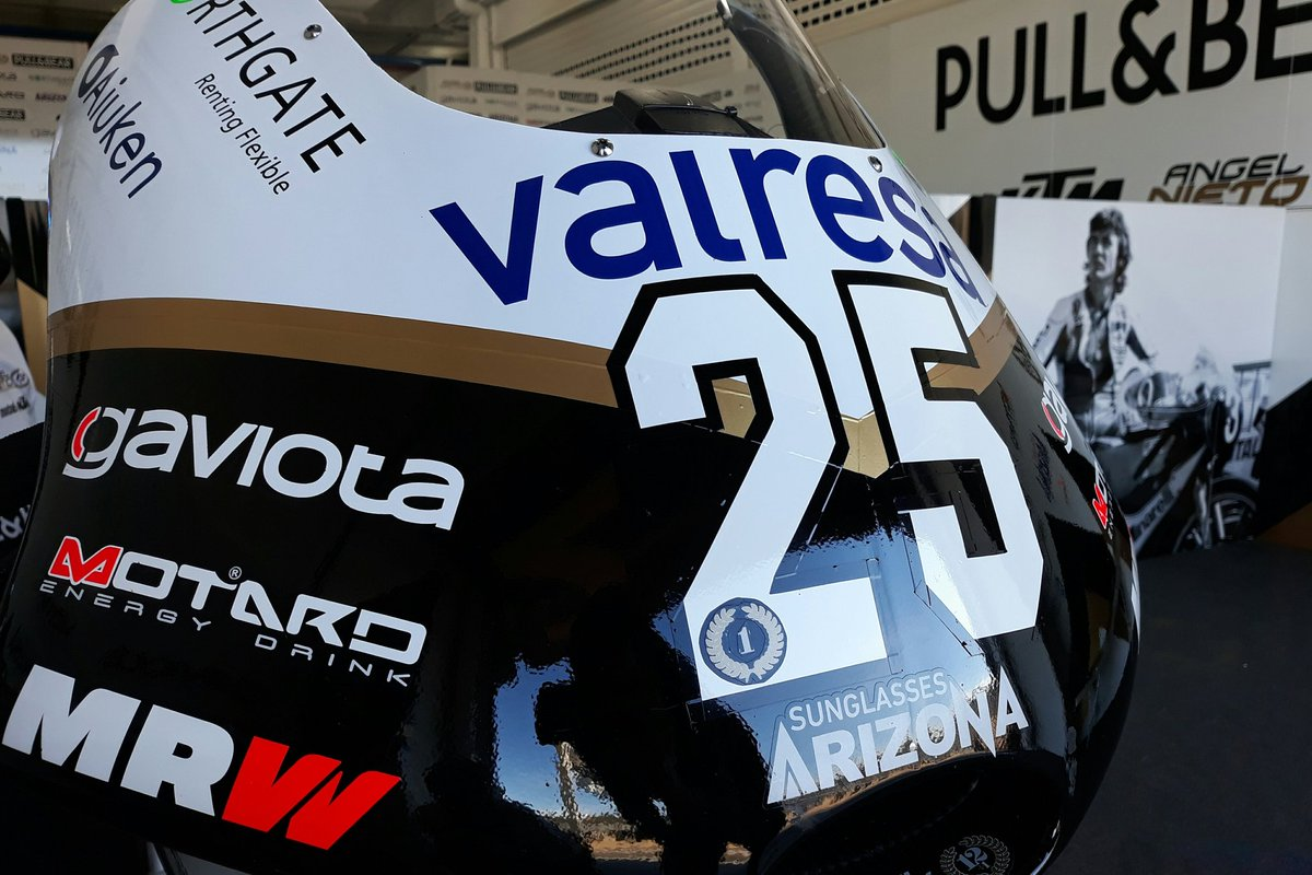 In 2019, @23RaulFernandez will change his #23 for the #25... but in the #ValenciaTest he still wanted to wear the #1 🥇😜✊ #JuniorWorldChampion