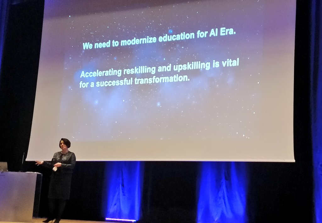 Yes! Cognitive #AI for #lifelonglearning is our focus #reskilling #upskilling @headaiofficial @MCompetencies #tekoälyaika #jatkuvaoppiminen