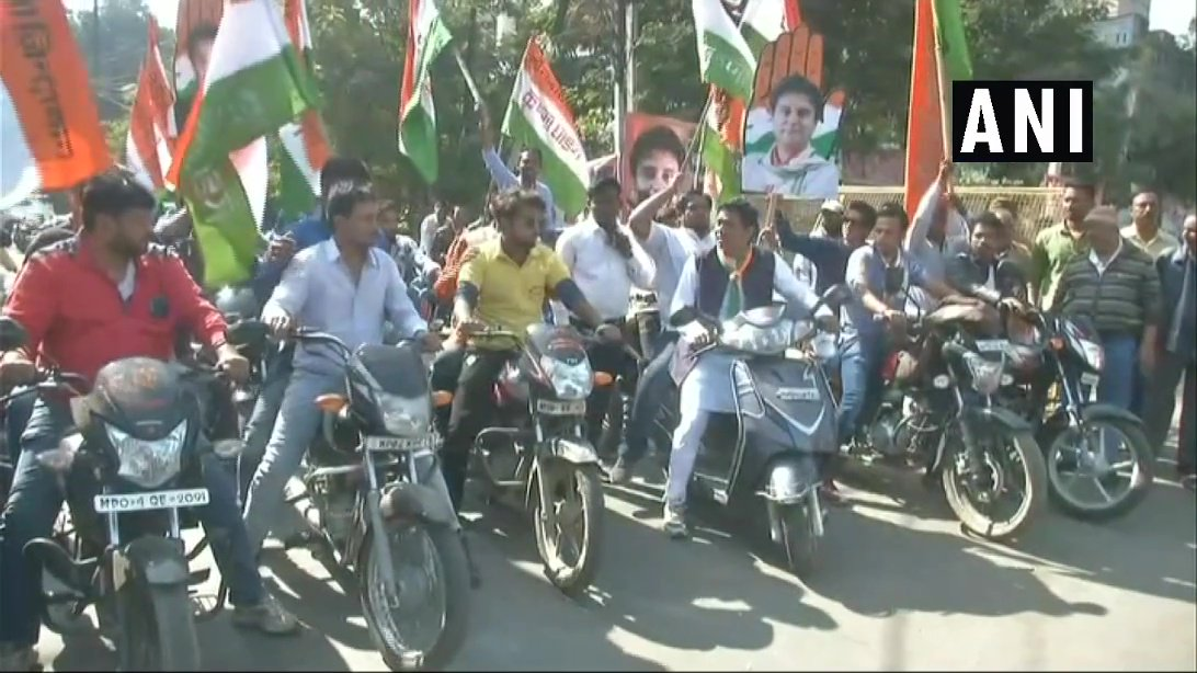 Visuals of Congress workers celebration from Bhopal, #MadhyaPradesh. #AssemblyElectionResults2018