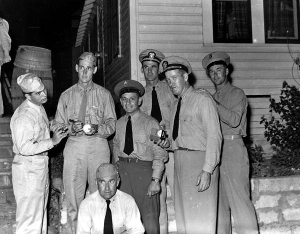 Ted Williams signing a baseball for Navy personnel: Panama City, Florida - 1943. #RedSox<br>http://pic.twitter.com/ZAy8DyH2PS