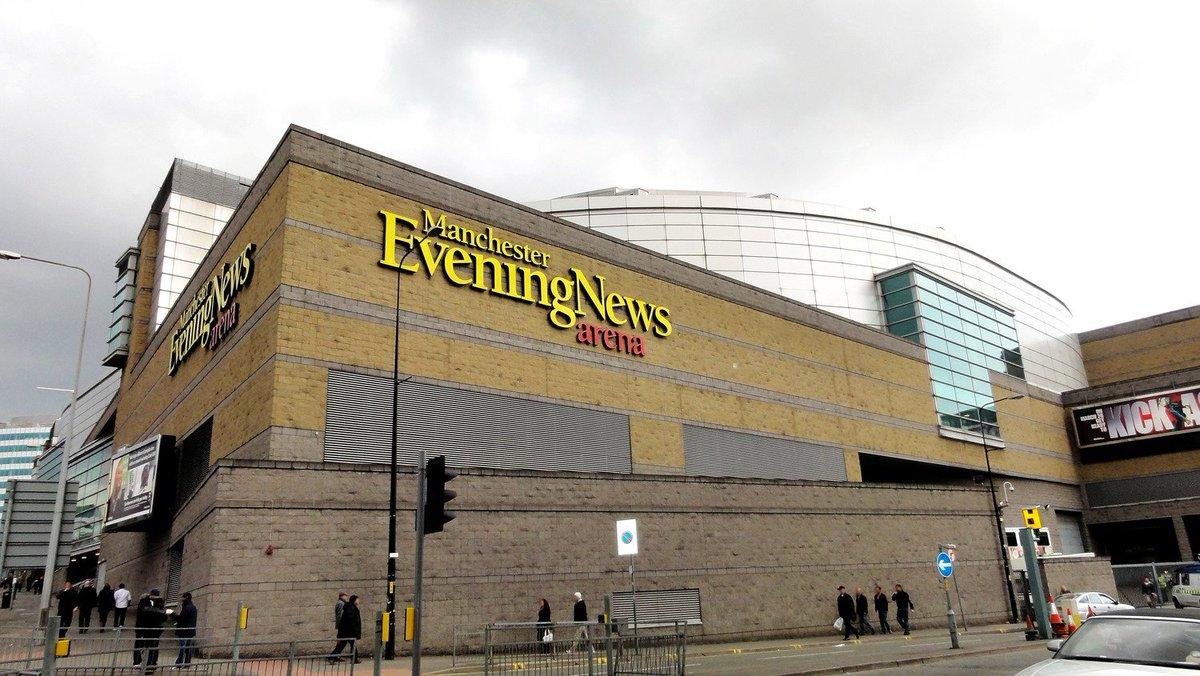 今夜のDef Leppardのライヴは(現地時間 12/12 6:00pm~) Manchester(England🏴)の Manchester Arenaで♪  素敵なライヴになりますように😌🍀✨ Have a great show!!🎸🎶💃 #DefLeppard #HysteriaTour🇬🇧 #Manchester @ManchesterArena