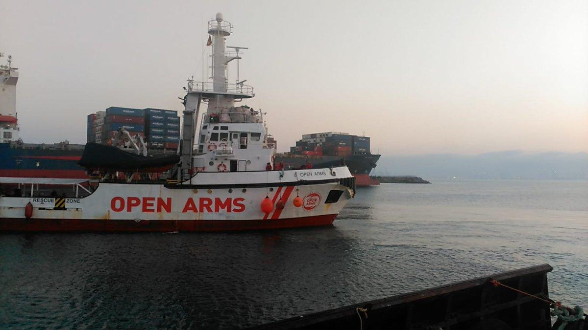 Siamo vicini a @openarms_it in un momento in cui l'assistenza umanitaria continua ad essere pesantemente criminalizzata. Soccorrere persone in mare e portarle in un porto sicuro non è reato, mai!