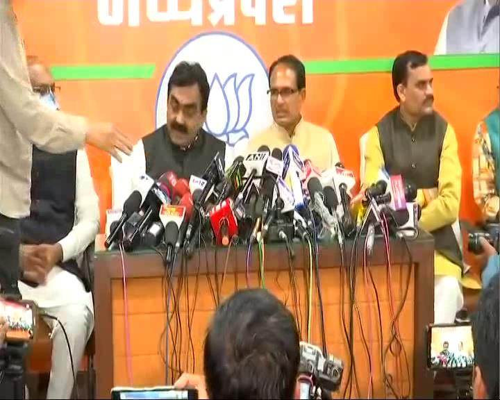 Shivraj Singh Chouhan addresses media after resigning as Madhya Pradesh Chief Minister  Watch LIVE now on https://t.co/hMlRpgrUU6 and NDTV 24x7