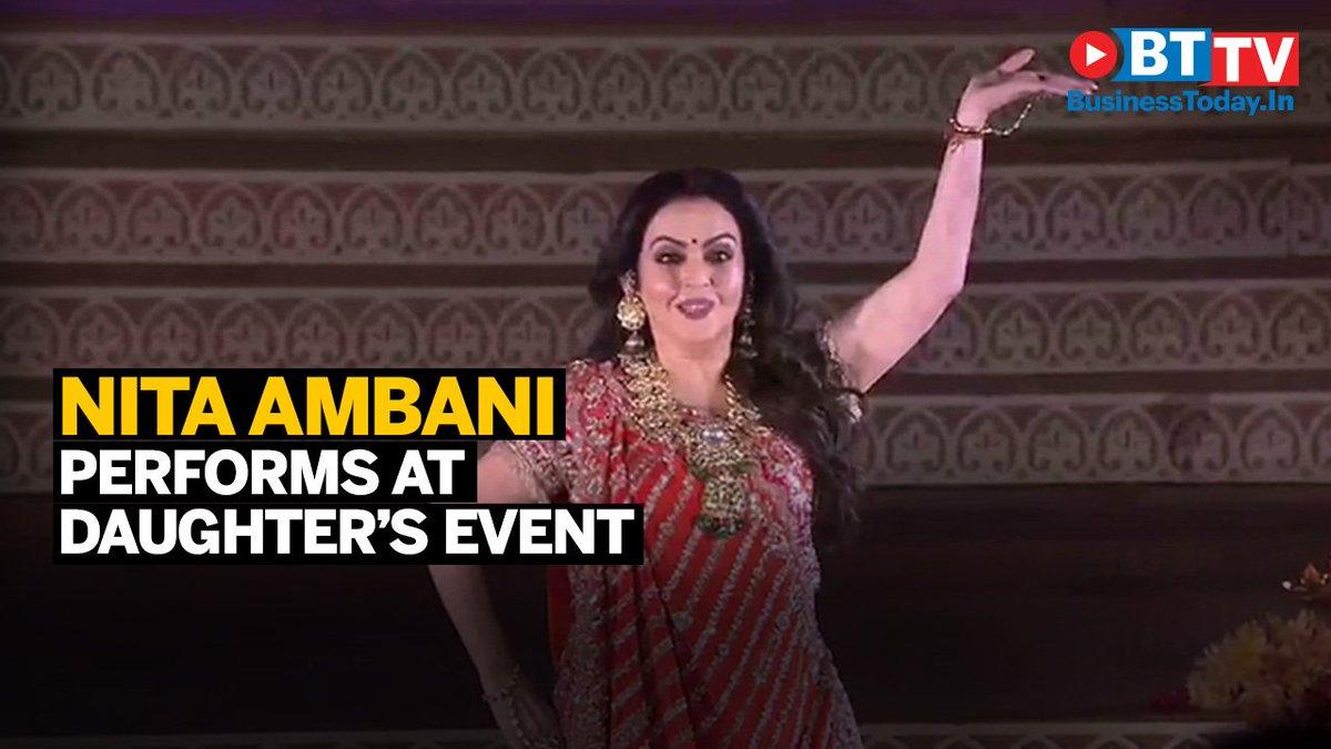 #IshaAmbani's pre-wedding celebrations included a dance by mother Nita  Ambani.  Watch the video. https://t.co/mnQCNAwaT2