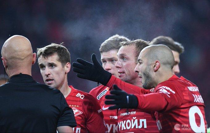 Спартак выпустил календарь на 2019 год без Глушакова, Ещенко и Комбарова Фото