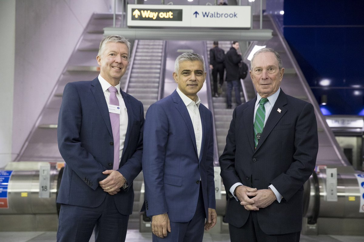 DuNbhsvUUAIjV1M - The Tube's new Walbrook entrance finally opens!