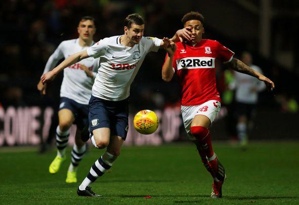 This Is Futbol: Everton must reignite interest in Tavernier with Man United lurking http://www.football-news365.co.uk/go/6/82671376 #efc #coyb